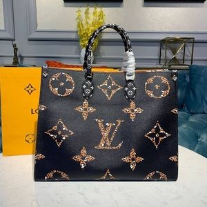 Louis Vuitton onthego black cameral